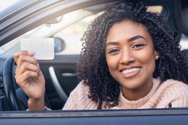 Titulaire d'un permis étranger, comment assurer ma voiture en France ?