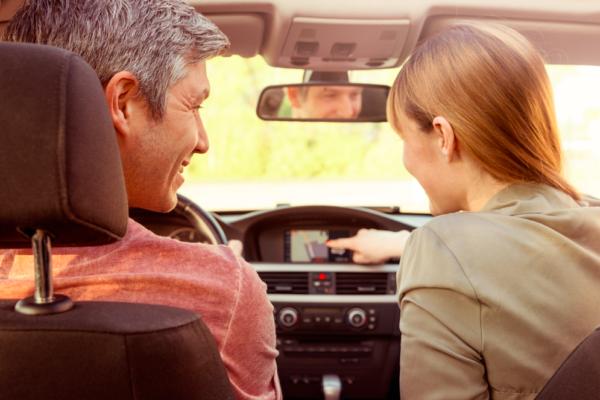 Prêt de véhicule entre particuliers, que vérifier dans son contrat d'assurance ?