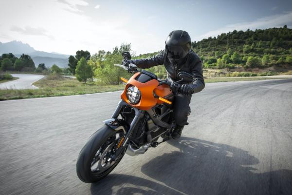 Assurance moto électrique : ce que vous devez prendre en considération